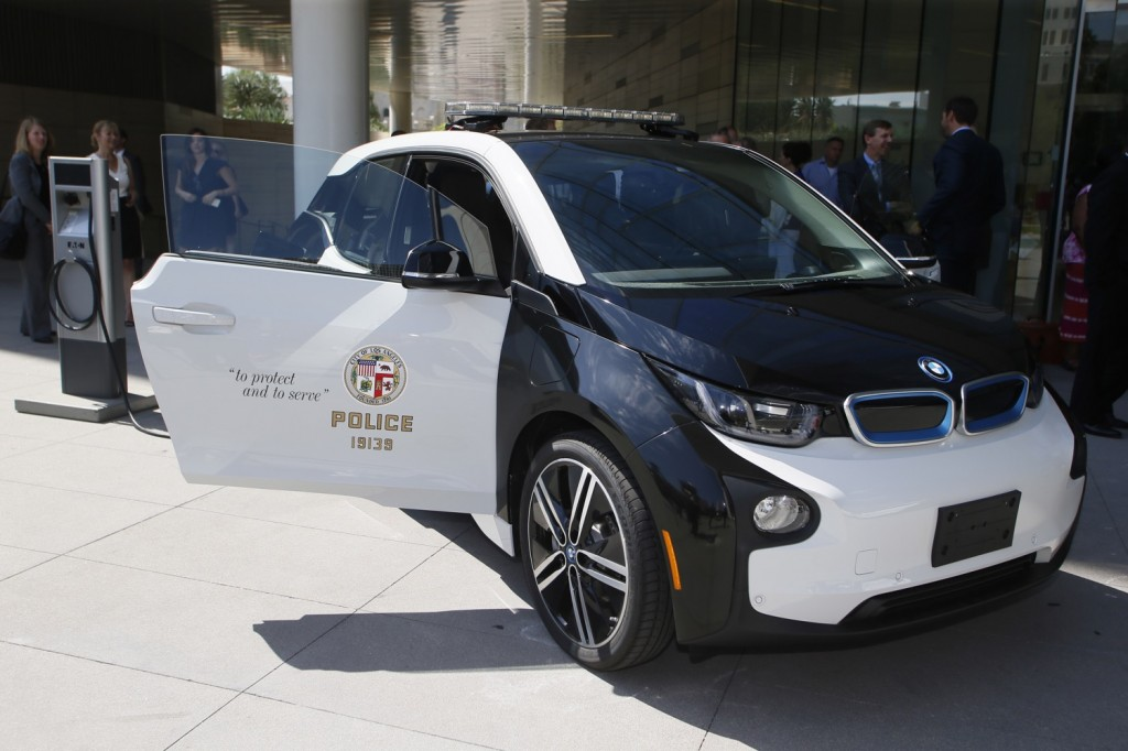 Paris Joins Other Police Forces By Adding Electric Cars To Its ...
