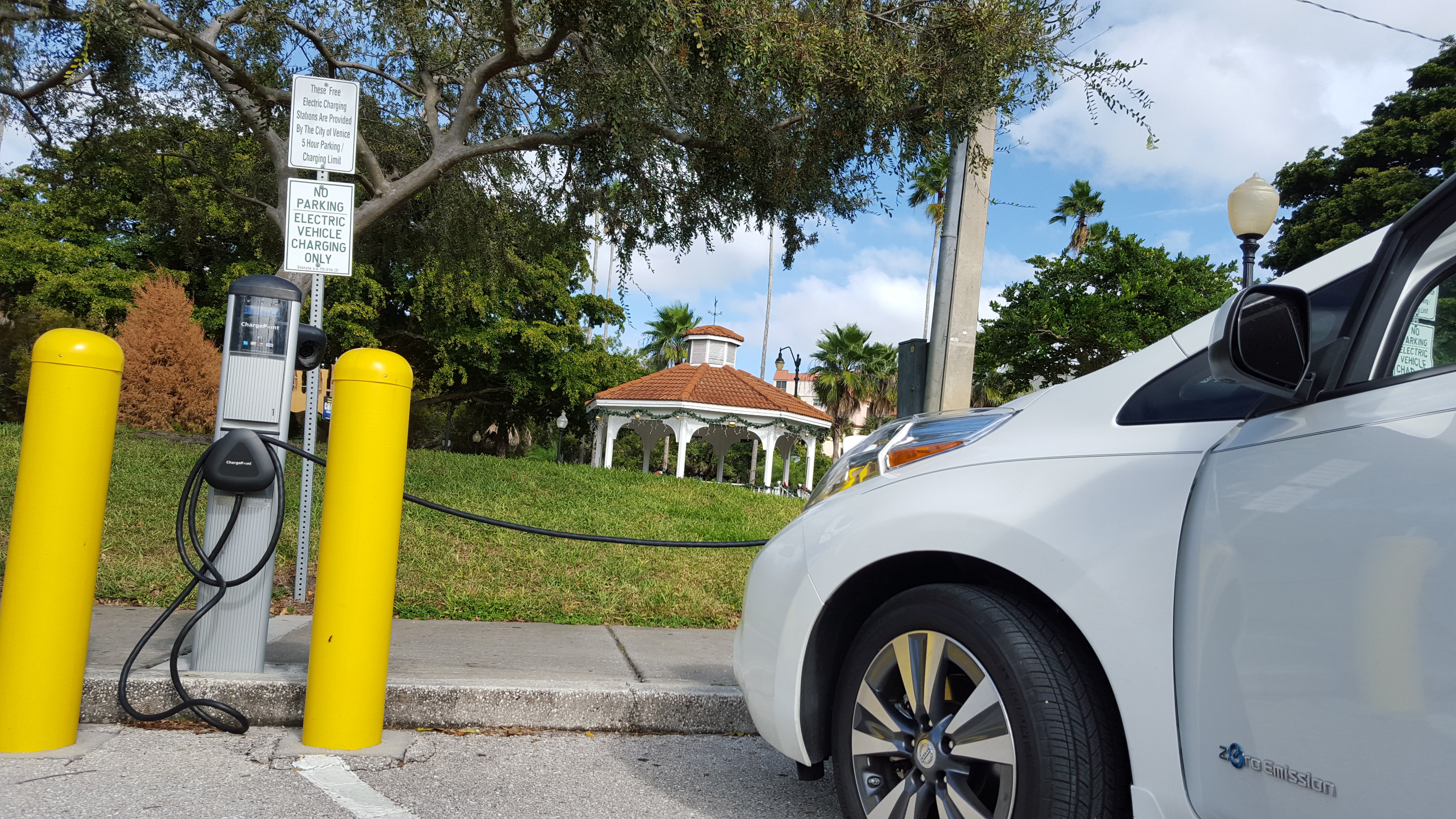 Chargepoint Now Has 30 000 Charging Stations Nearly 3x