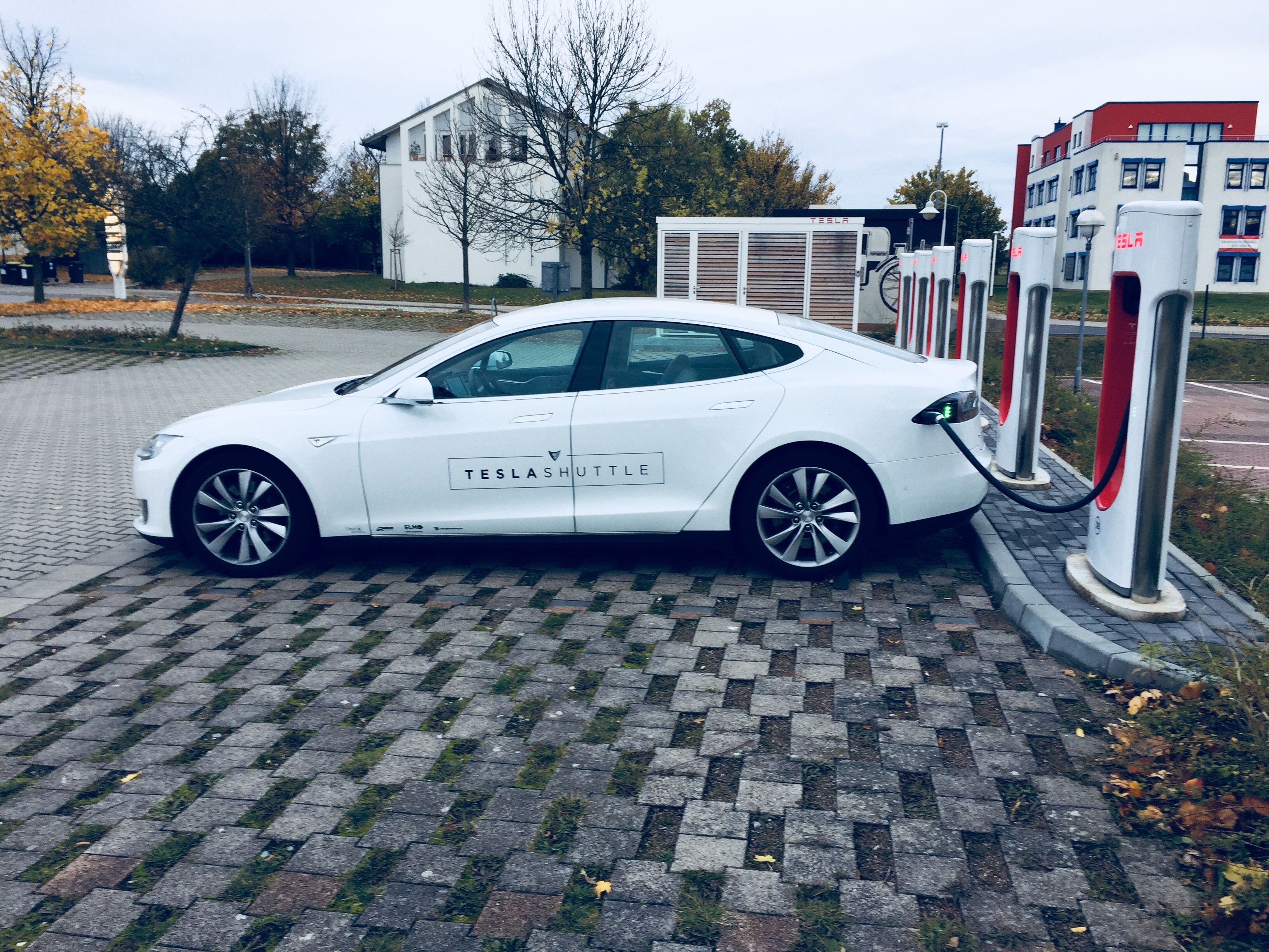 drive clean drive electric essay Femininity and the electric car by virginia scharff this essay is reproduced with  on clean, quiet electric  held drive-in dinner parties where they.