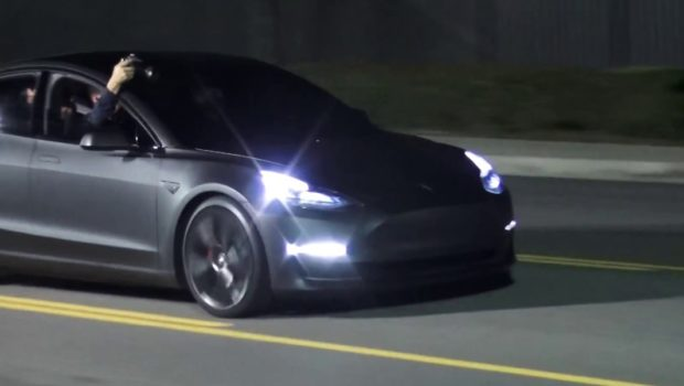 tesla blasts consumer reports  model  reliability rating cleantechnica