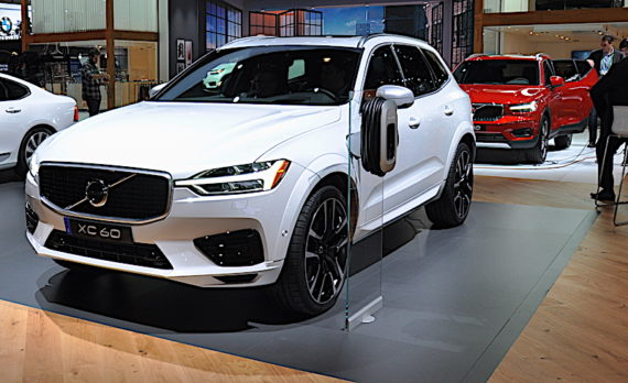 'LA Auto Show 2017, Volvo' from the web at 'https://c1cleantechnicacom-wpengine.netdna-ssl.com/files/2017/11/DSC_0277-570x348.jpg'