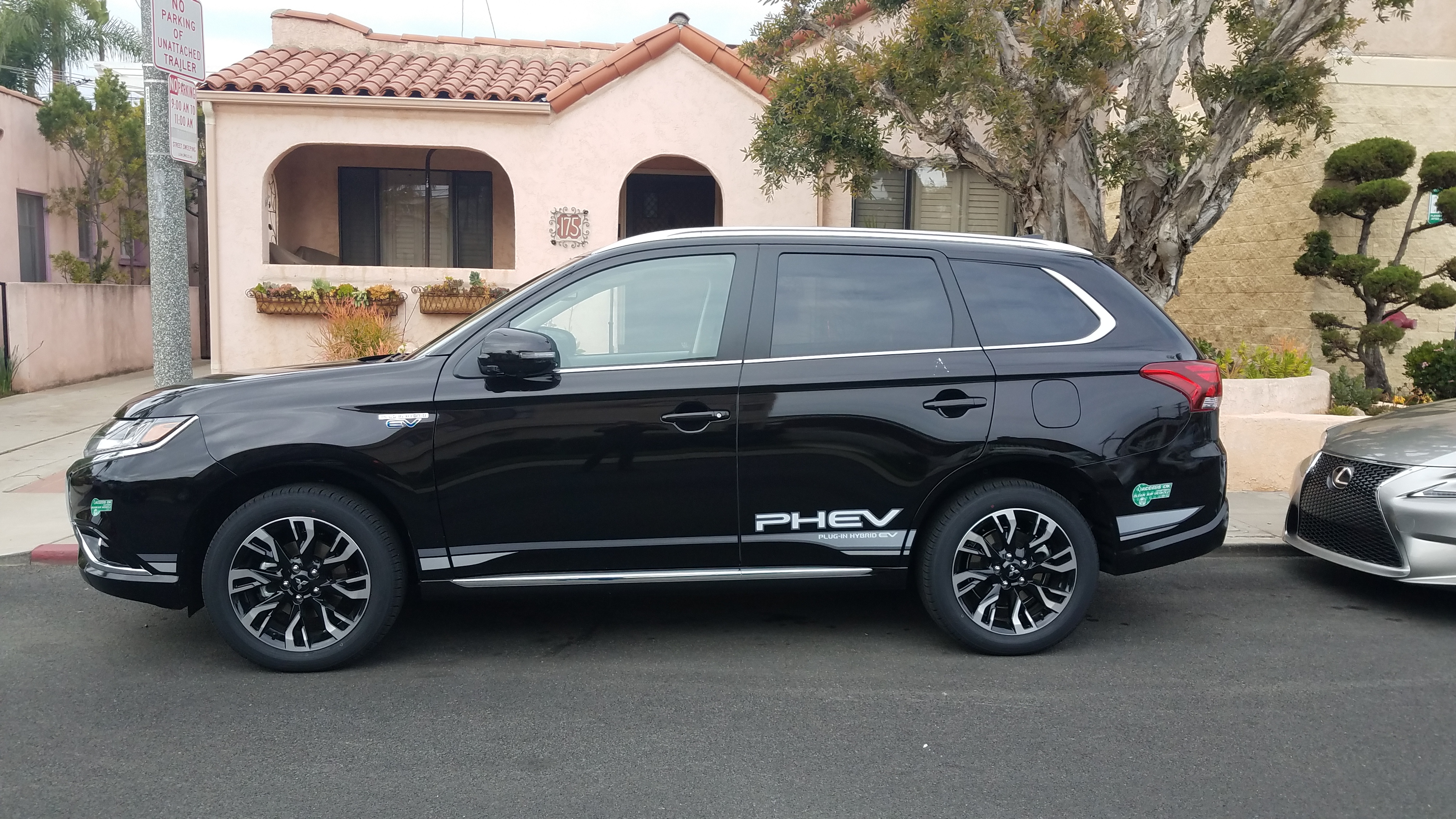 cleantechnica test drives the brand new 2018 mitsubishi outlander phev for you cleantechnica. Black Bedroom Furniture Sets. Home Design Ideas